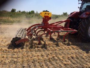 Puma en Kverneland cultivator5